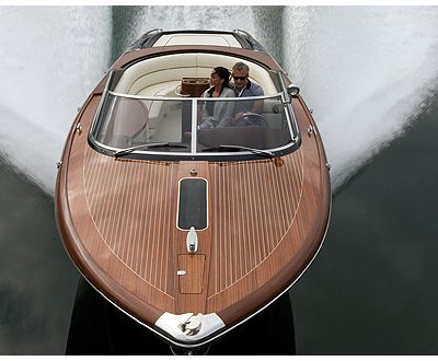 Aquariva by Gucci Motors into Newport